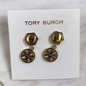 New Tory Burch logo drop earrings